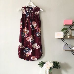 Old Navy | maroon floral shift dress xs